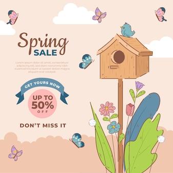 Vendita di primavera disegnata a mano con uccelli e farfalle