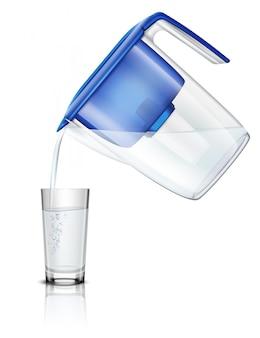 Versare l'acqua nel bicchiere lanciatore di filtro domestico attraverso un processo realistico di purificazione della composizione in cartuccia di carbone