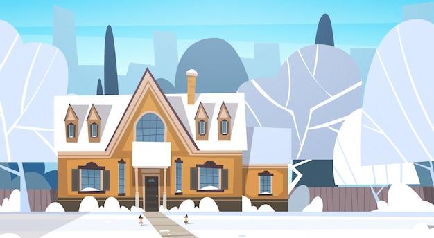 Villaggio inverno paesaggio casa con la neve in cima città o città suburb street