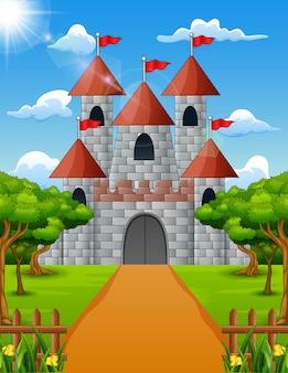 Vista del castello dalla parte anteriore con pianta verde
