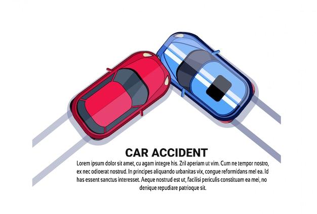 Vista di angolo superiore di collisione di incidente stradale sopra bianco