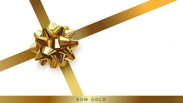 Vista superiore della stella dell'arco dell'oro isolata su fondo bianco.
