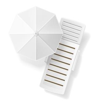 Vista superiore in bianco bianca realistica dell'ombrello di spiaggia del lettino.