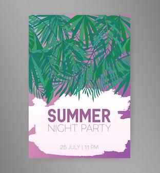 Volantino del partito di notte estiva o modello dell'invito con le foglie di palma tropicali verdi pendenti o il fogliame degli alberi esotici della giungla e posto per testo. illustrazione colorata per la pubblicità dell'evento.