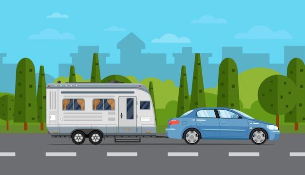 Volantino di viaggio su strada con auto e rimorchio