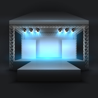 Vuoto palcoscenico di spettacoli musicali con messa a fuoco di faretti
