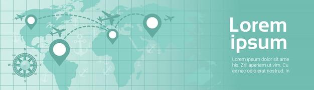World travel in plane template banner l'aeroplano sorvola la mappa della terra con la mappa del percorso dei puntatori di navigazione
