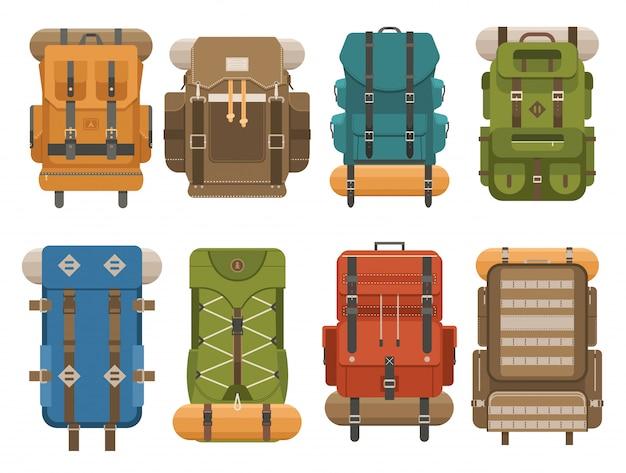 Zaino da campeggio colorato impostato in design piatto. illustrazione di vettore di retro zaini turistici.