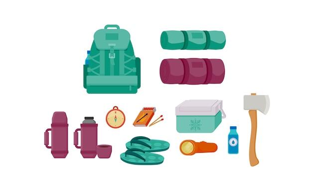 Zaino set di illustrazione vettoriale di accessori da campeggio
