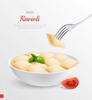 Zolla dei ravioli come piatto nazionale tradizionale della composizione realistica nel menu italiano