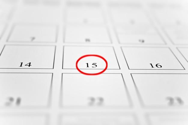 15e omcirkeld in het rood op de maandkalender
