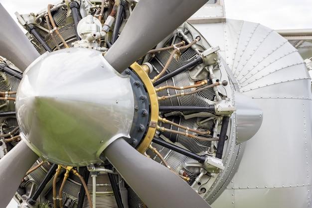 18-cilinder luchtgekoelde radiale vliegtuigmotor