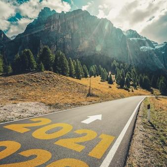 2021 new year road trip reizen en toekomstvisie concept
