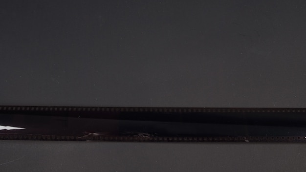 35mm camera foto filmrol geïsoleerd op zwarte achtergrond.