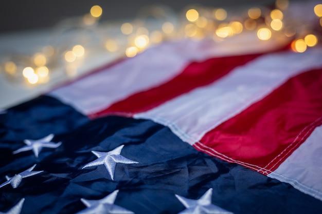 4 juli van onafhankelijkheidsdag, dag van de arbeid, verenigde staten, verenigde staten vlag met bokeh