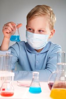 Aandacht medische kinderen vaccin chemie