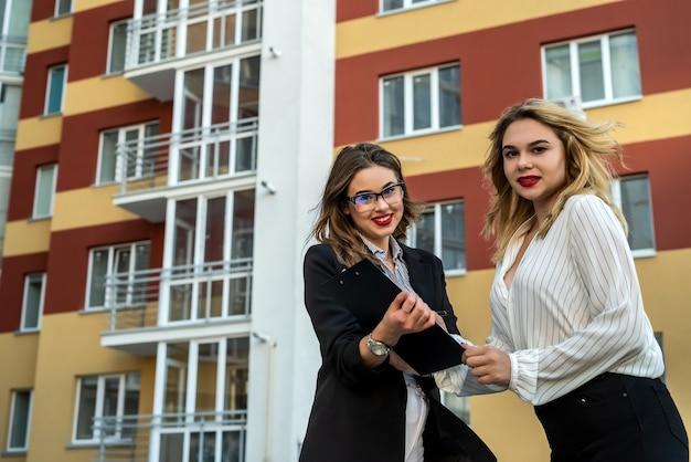 Aankoop of huur van nieuwe woningen. schriftelijke overeenkomst tussen verkoper en koper