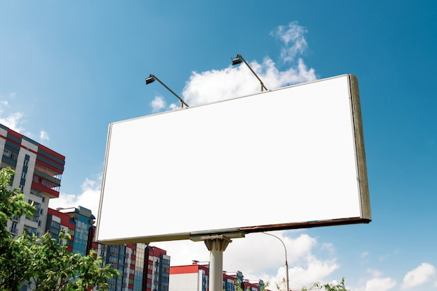 Aanplakbord, aanplakbord, canvasaanplakbord, tegen blauwe hemel
