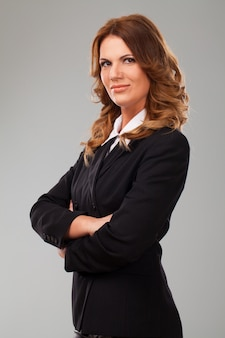 Aantrekkelijke blanke zakenvrouw