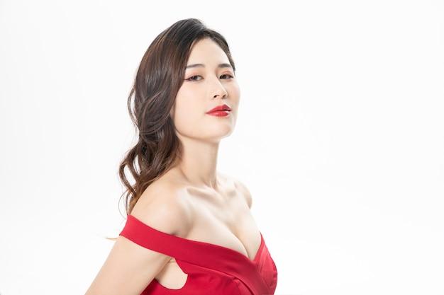 Aantrekkelijke vrouwelijke modellen in fotoshoots