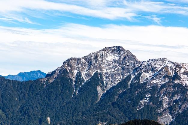 Aard, bergen en bossen in hehuanshan taiwan