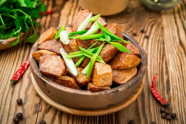 Aardappel in de schil met rozemarijn
