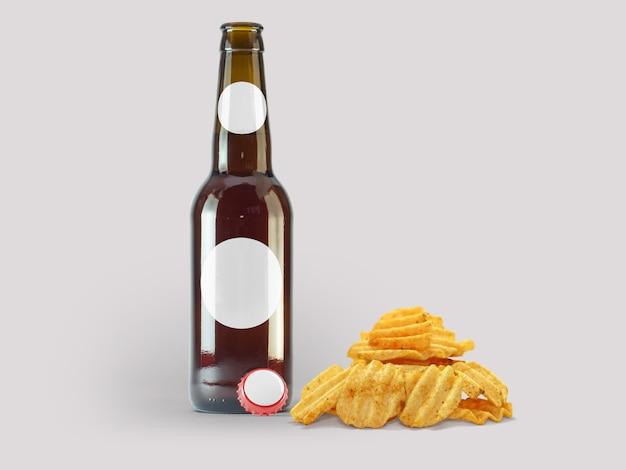Aardappelen chip snacks en bruine fles geïsoleerd op gekleurde achtergrond. oktoberfest-concept.