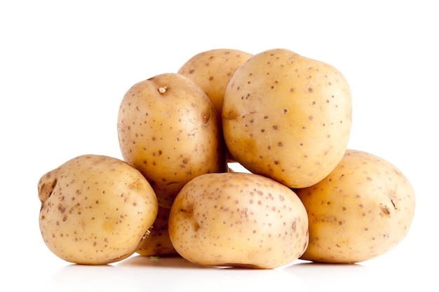 Aardappelen op wit