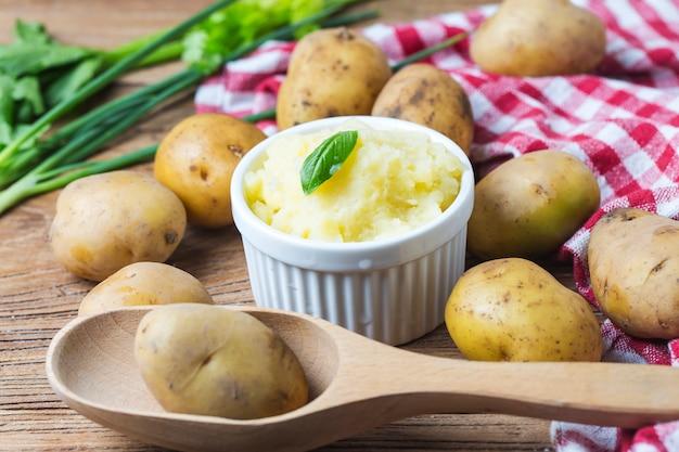 Aardappelpuree, aardappelen