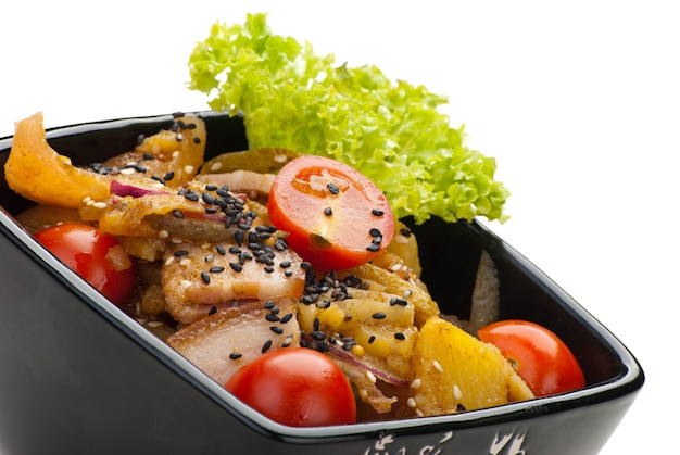 Aardappelsalade met spek en uien