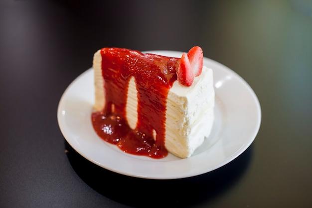 Aardbei crêpe cake