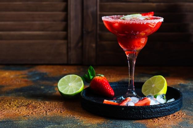 Aardbeien margarita cocktail