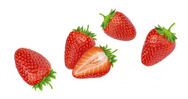Aardbeien op witte achtergrond worden geïsoleerd die
