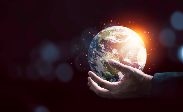 Aarde binnenkant van twee handen voor earth day en energiebesparende omgevingsconcept, element van dit beeld van nasa en 3d render.