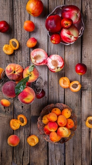 Abrikozen, perziken. zomer fruit.