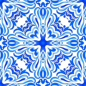 Abstract blauw en wit hand getrokken tegel naadloze sier aquarel verf patroon