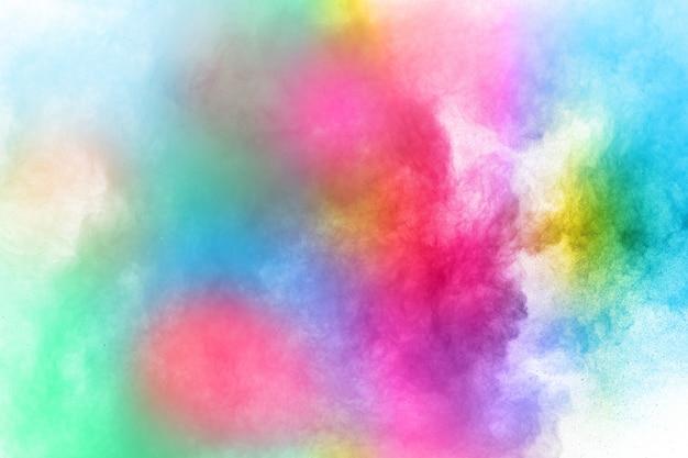 Abstract geplet poeder. kleurrijke poederexplosie op wit.