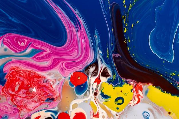 Abstract kleurrijk mengen van acrylverf