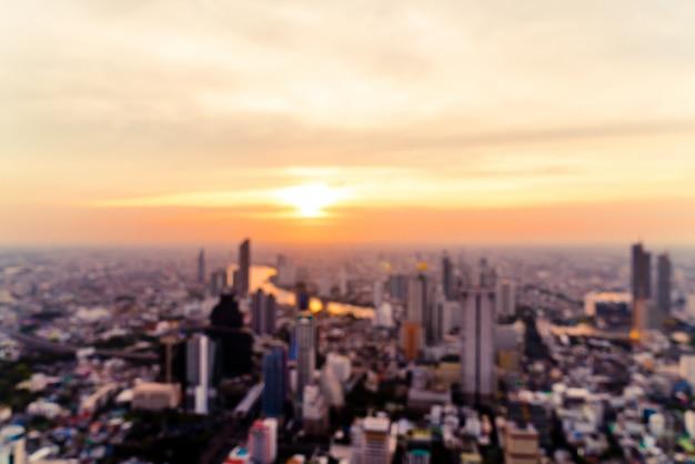 Abstract vervagen bangkok stadsgezicht in thailand met avondrood
