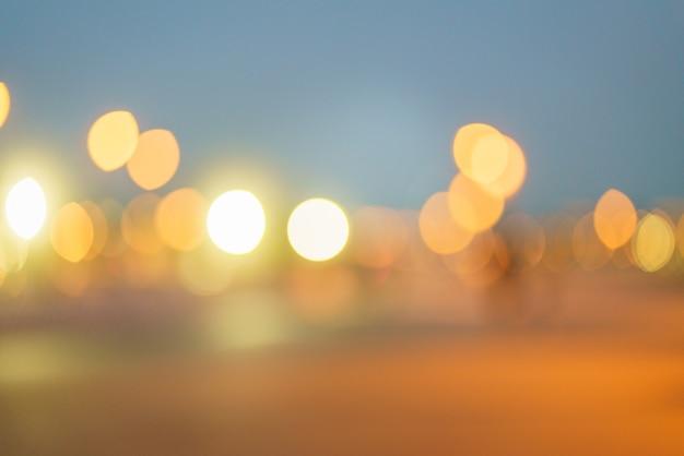 Abstracte achtergrond met bokehlicht van nachtlichten autokoplampen avondlichten van grote stad