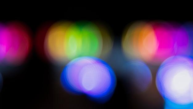 Abstracte bokeh nacht met stadsneonlichten
