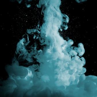 Abstracte grijze mist in duisternis
