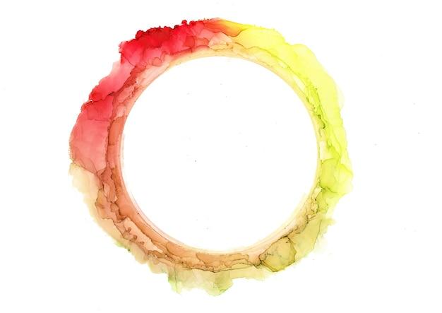 Abstracte rode, gele en gouden aquarel cirkel, inkt penseelstreken geïsoleerd