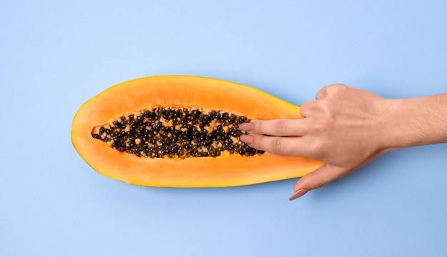 Abstracte seksuele gezondheidsrepresentatie met voedsel