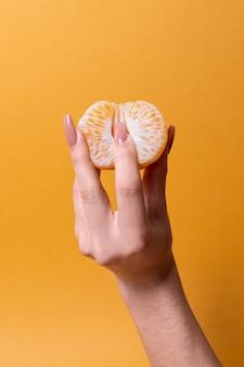Abstracte seksuele gezondheidsrepresentatie met voedselarrangement