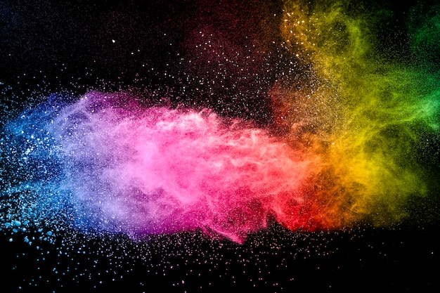 Abstracte veelkleurige poeder explosie zwarte achtergrond.