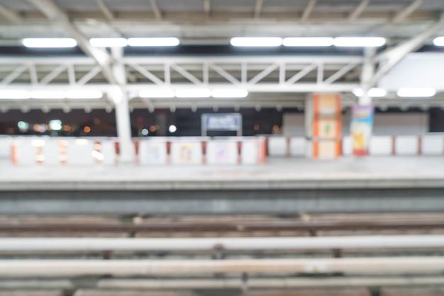 Abstracte vervagen elektrische treinstation