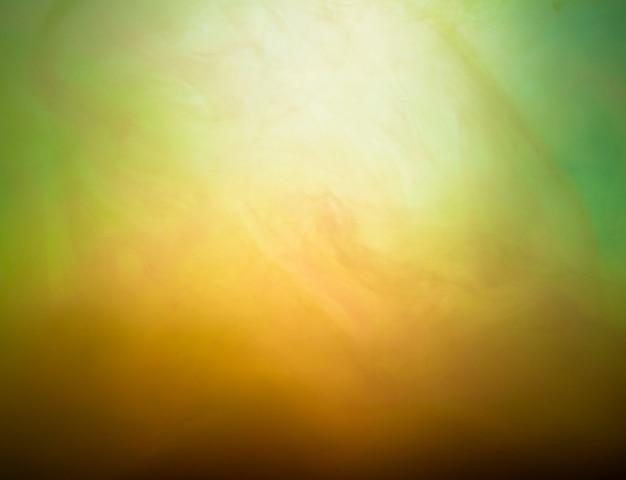 Abstracte wolk van nevel in groen en geel