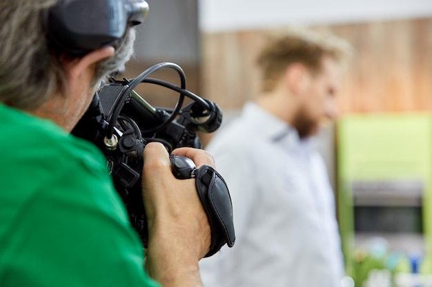 Achter de schermen van filmopnames of videoproductie en filmploegenteam
