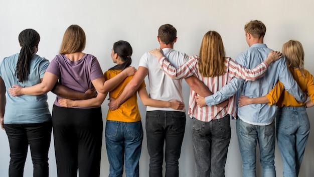 Achteraanzicht gemeenschap verenigd